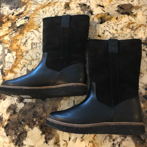 5d611c7ce9 Clarks Shoes | Glick Elmfield Black Womens Boots Size 7 | Poshmark